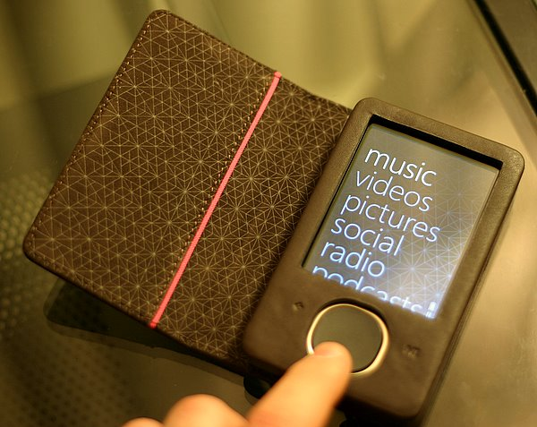 Microsoft Zune 80 with premium leather case