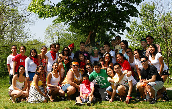 A shot of the whole FCA gang at the annual picnic 2008