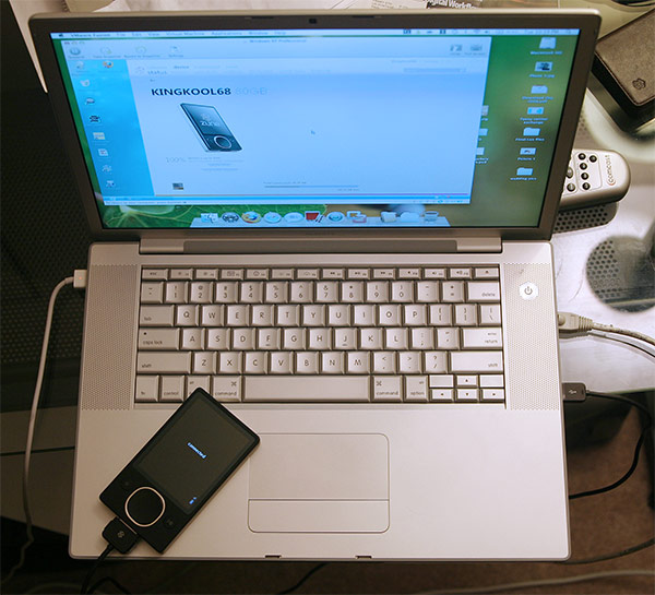 Irony:A MacbookPro and a Zune (wide)
